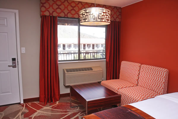 two-queen-bed-room-2