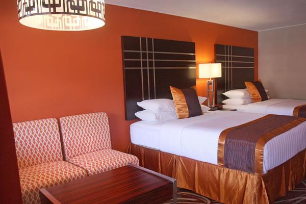 two-queen-bed-room-3