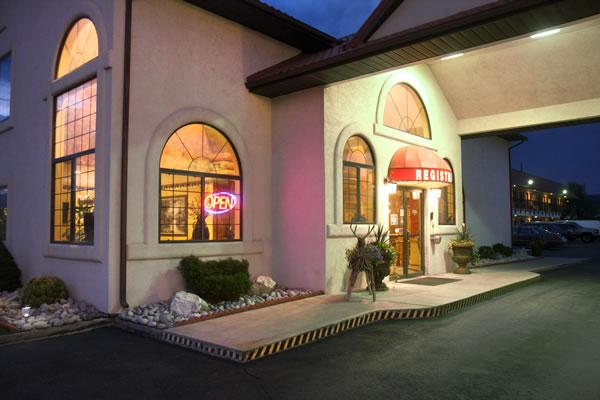 Salida CO Hotels Entrance