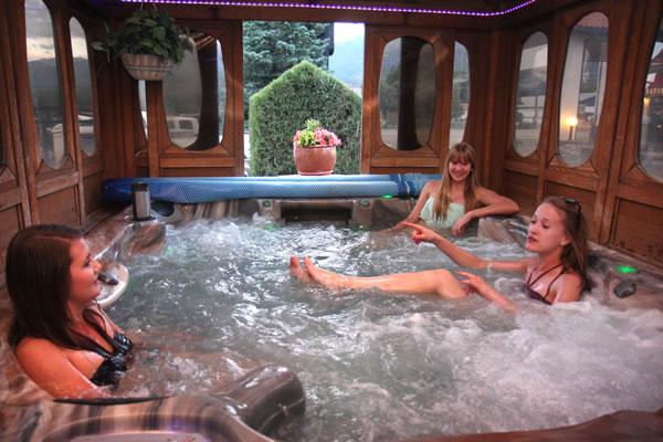 Salida Hotels Hot Tub