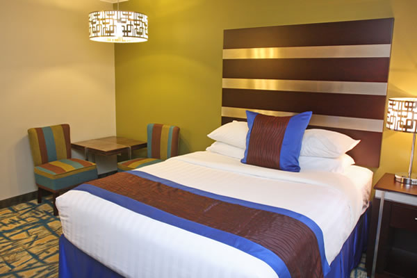 queen-bed-room-5